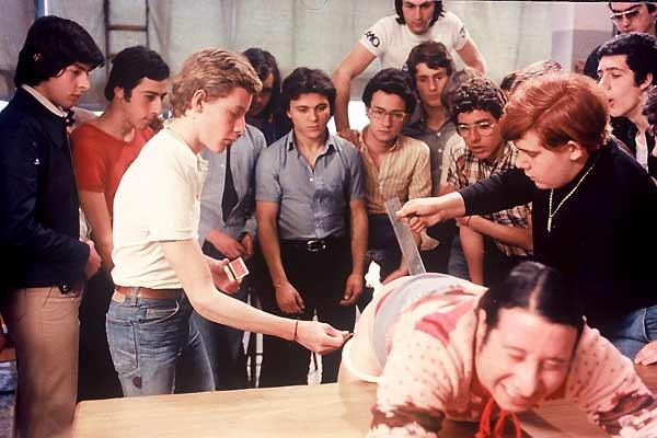La Prof donne des Leçons particulières : Photo Nando Cicero