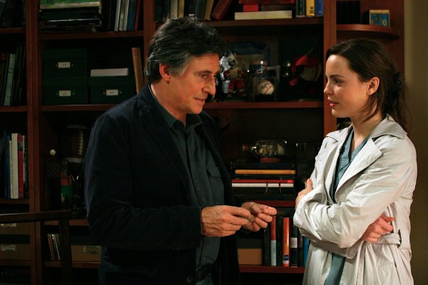En analyse (US) : Photo Gabriel Byrne, Melissa George