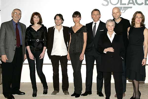 Quantum Of Solace : Photo promotionnelle Barbara Broccoli, Daniel Craig, Gemma Arterton, Giancarlo Giannini, Judi Dench