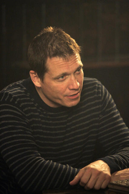 Heroes : Photo Holt McCallany