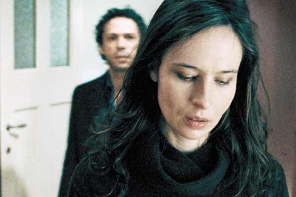 L'Autre moitié : Photo Kader Boukhanef, Nade Dieu, Rolando Colla