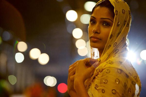 Slumdog Millionaire : Photo Danny Boyle, Freida Pinto