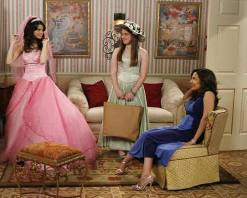 Les Sorciers de Waverly Place : Photo Jennifer Stone, Maria Canals, Selena Gomez
