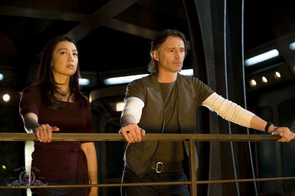 Stargate Universe : Photo Ming-Na Wen, Robert Carlyle