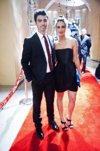 90210 Beverly Hills Nouvelle Génération : Photo Jessica Lowndes, Joe Jonas