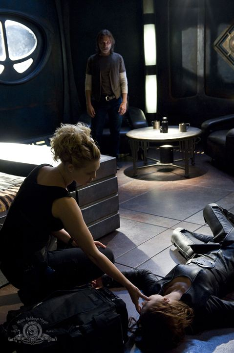Stargate Universe : Photo Alaina Huffman, Robert Carlyle