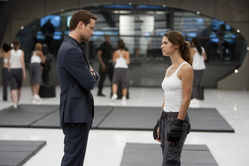 Nikita (2010) : Photo Lyndsy Fonseca, Shane West