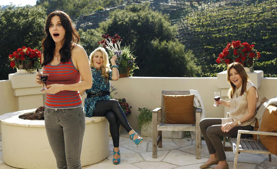 Photo Busy Philipps, Christa Miller-Lawrence, Courteney Cox