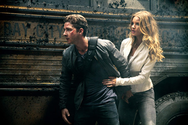 Transformers 3 - La Face cachée de la Lune : Photo Rosie Huntington-Whiteley, Shia LaBeouf