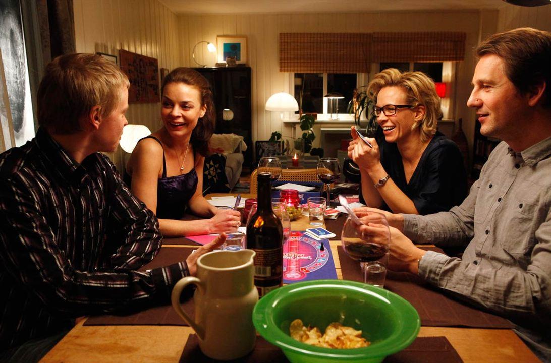 Happy, Happy : Photo Agnes Kittelsen, Anne Sewitsky, Henrik Rafaelsen, Joachim Rafaelsen, Maibritt Saerens