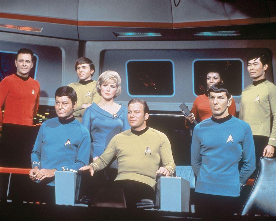 Star Trek : Photo DeForest Kelley, George Takei, James Doohan, Leonard Nimoy, Majel Barrett