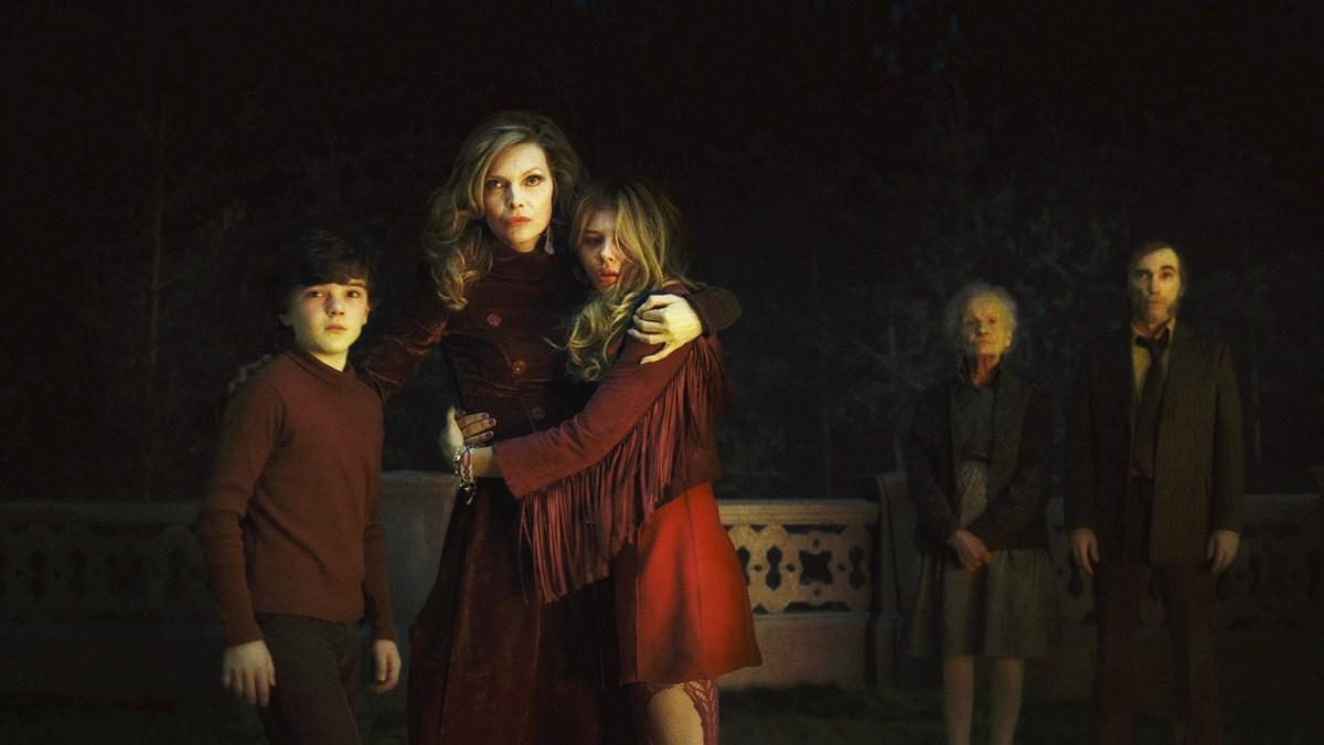 Dark Shadows : Photo Chloë Grace Moretz, Gulliver McGrath, Jackie Earle Haley, Michelle Pfeiffer