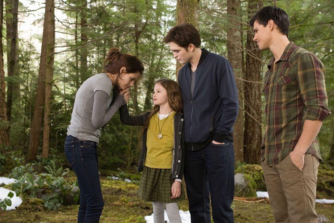 Twilight - Chapitre 5 : Révélation 2e partie : Photo Kristen Stewart, Mackenzie Foy, Robert Pattinson, Stephenie Meyer, Taylor Lautner