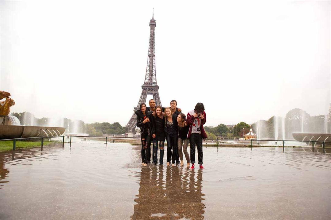 LOL USA : Photo Adam Sevani, Ashley Greene, Ashley Hinshaw, Douglas Booth, Miley Cyrus