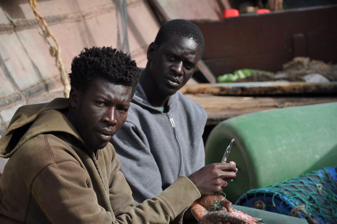 La Pirogue : Photo Malamine Drame, Souleymane Seye Ndiaye