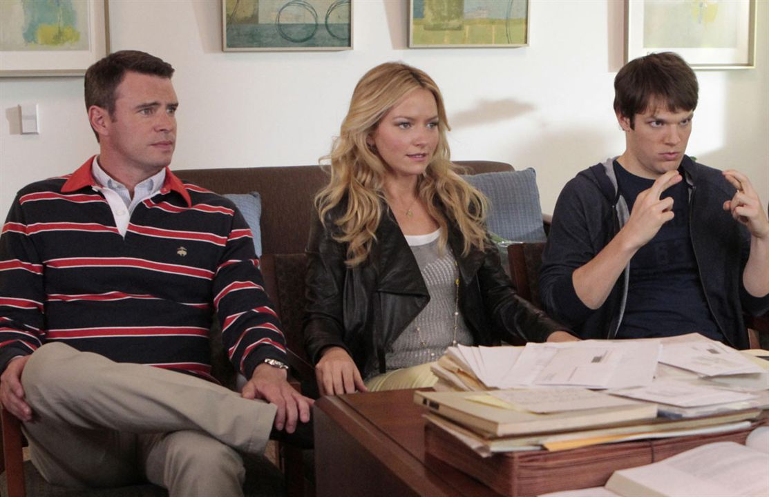Photo Becki Newton, Jake Lacy, Scott Foley