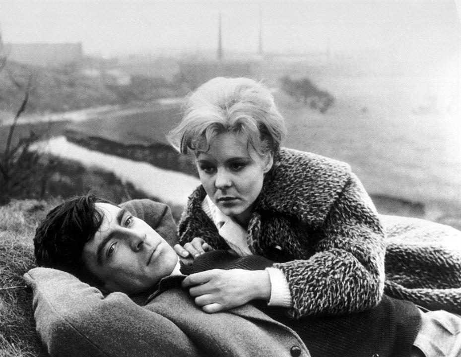 Un Amour pas comme les autres : Photo Alan Bates, June Ritchie