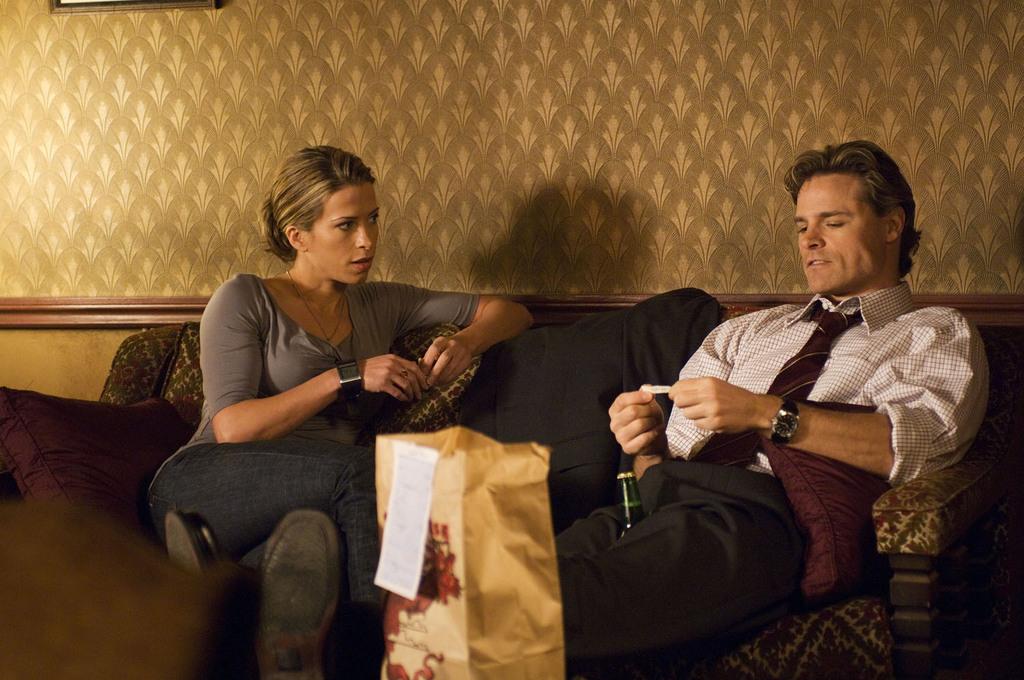 Blood Ties : Photo Christina Cox, Dylan Neal