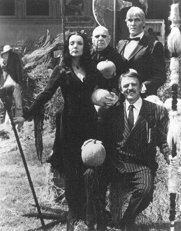 La Famille Addams : Photo Carolyn Jones, Jackie Coogan, John Astin, Ted Cassidy