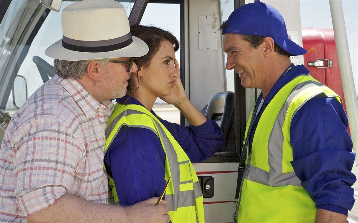 Les Amants passagers : Photo Antonio Banderas, Pedro Almodóvar, Penélope Cruz