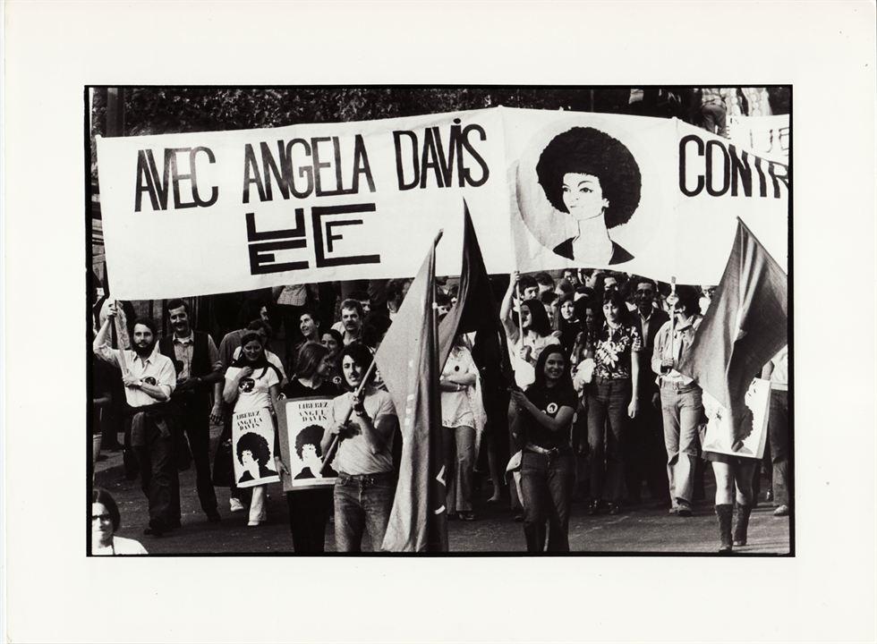 Free Angela : Photo