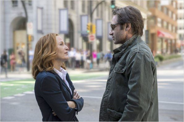 "Gillian Anderson portera une perruque dans la suite de ""X-Files"""