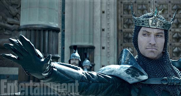 Jude Law en méchant de King Arthur : première photo