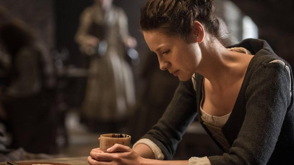 Outlander – Claire Randall mijote l'anti-gueule de bois