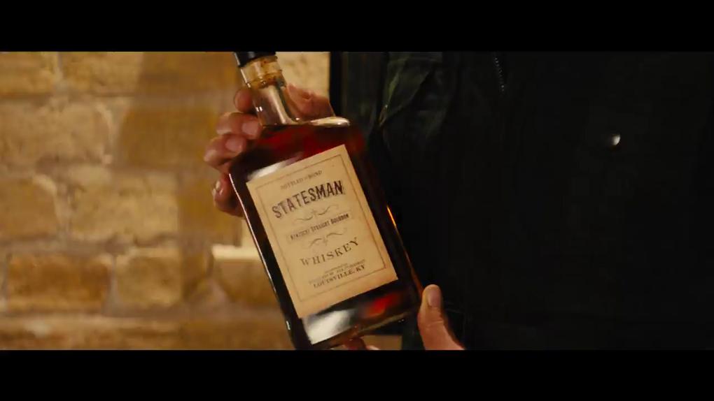 Un bon Kingsman ne sort jamais sans son whisky