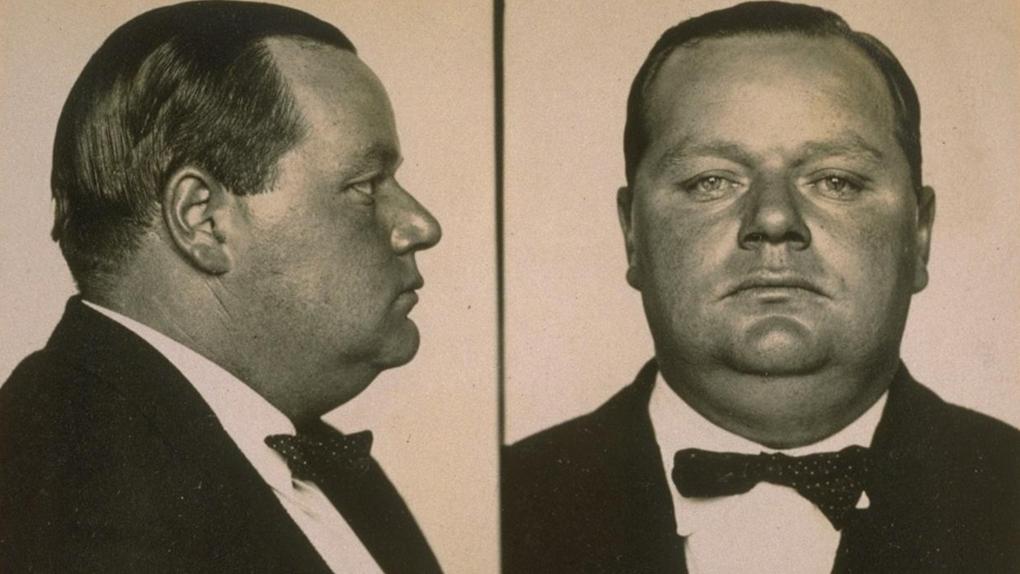 Le Mugshot de Fatty Arbuckle, peu après son arrestation, le 17 septembre 1921.