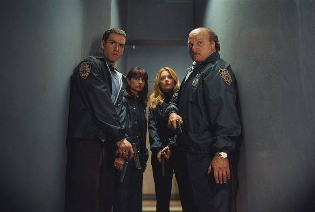 NEW YORK POLICE BLUES (1993 - 2005)