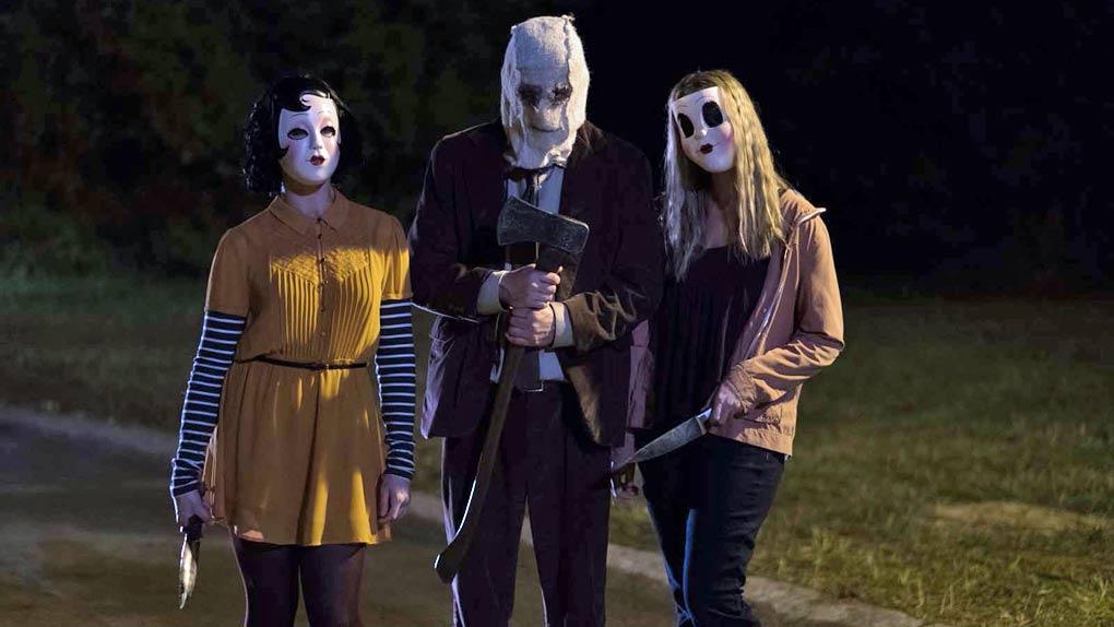 Dollface, L'Homme au masque et la Pin-Up dans The Strangers, Prey at Night