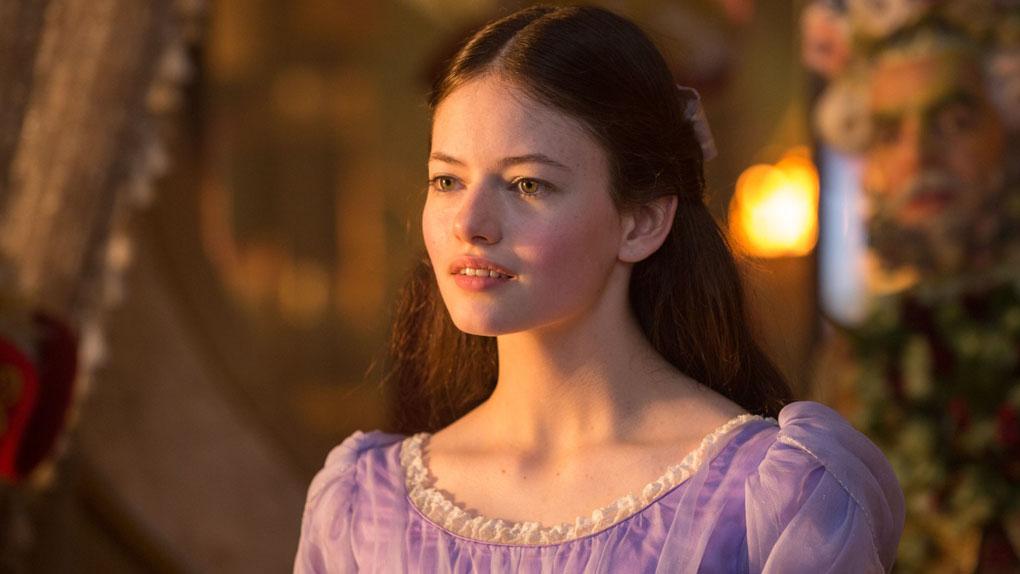 Mackenzie Foy incarne Clara dans Casse-noisette et les quatre royaumes