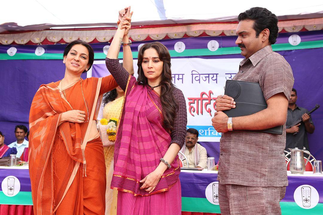 Gulaab Gang : Photo Juhi Chawla, Madhuri Dixit