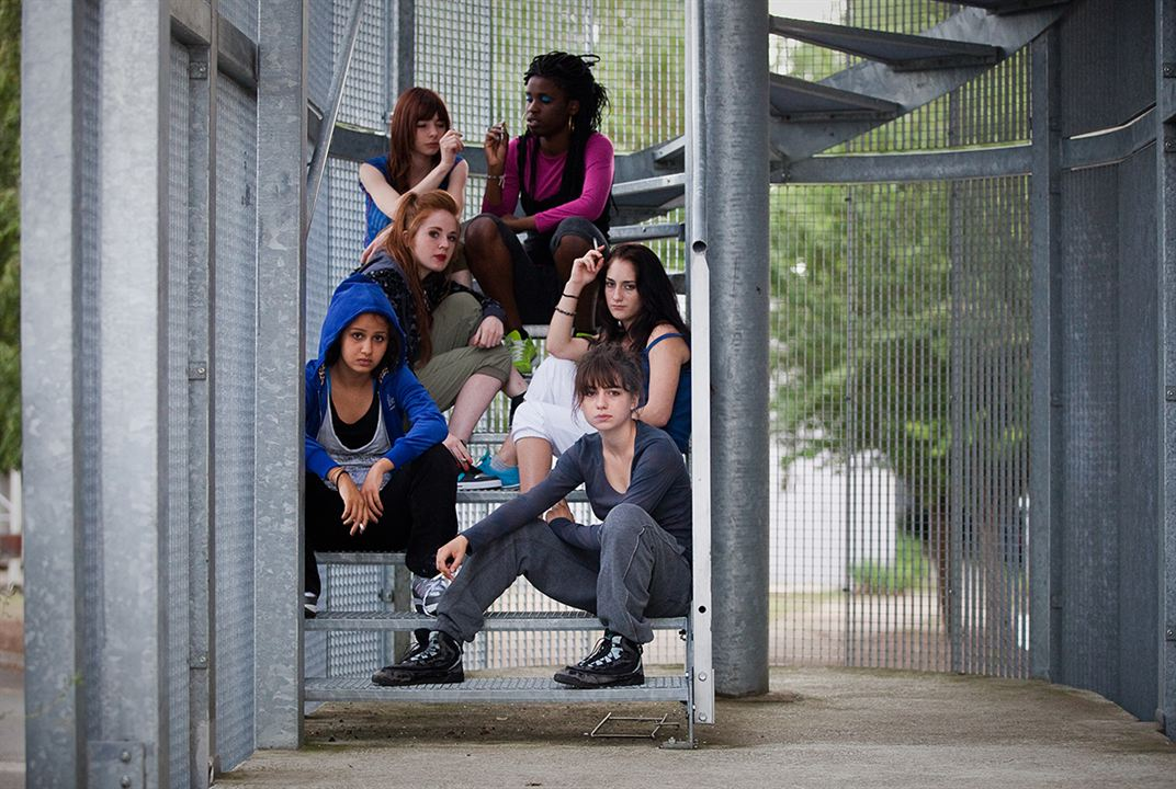 Photo Alba Gaia Bellugi, Claire Bouanich, Jisca Kalvanda, Léa Rougeron, Maryne Cayon