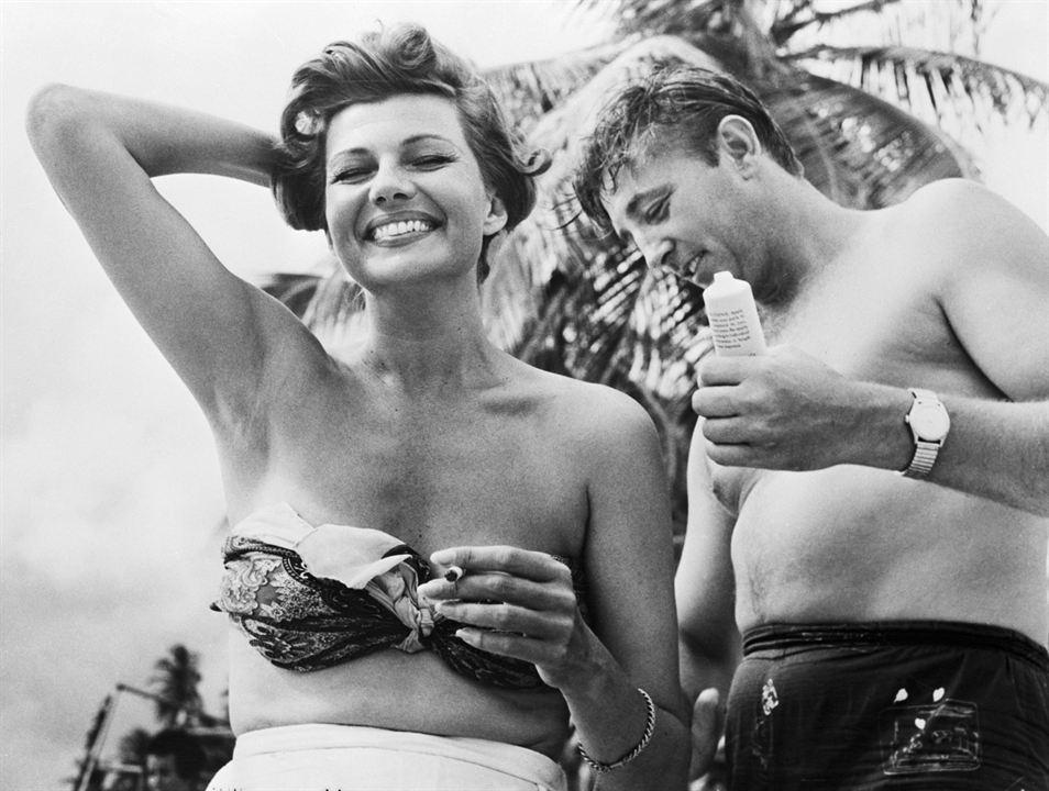 L'Enfer des tropiques : Photo Rita Hayworth, Robert Mitchum