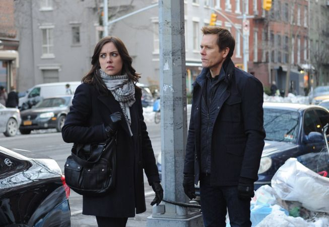 Photo Jessica Stroup, Kevin Bacon