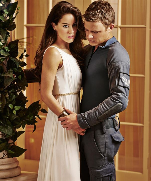 Photo de roxanne mckee photo christopher egan roxanne - Arika dominion ...