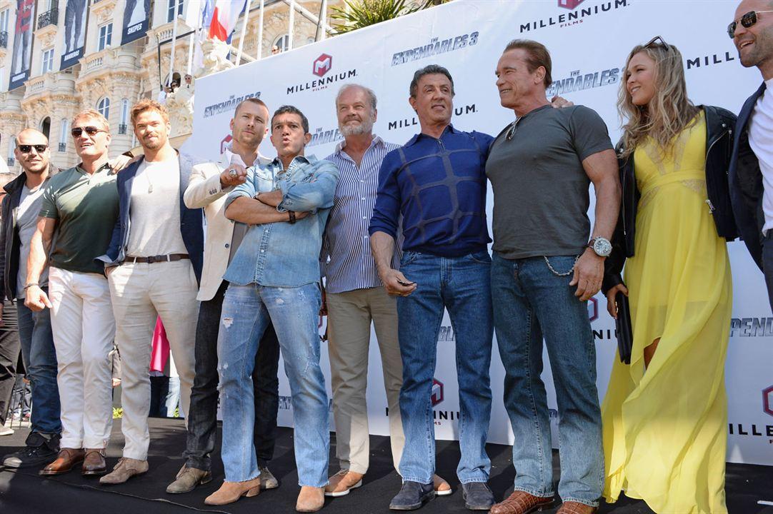 Expendables 3 : Photo promotionnelle Antonio Banderas, Arnold Schwarzenegger, Dolph Lundgren, Jason Statham, Kellan Lutz