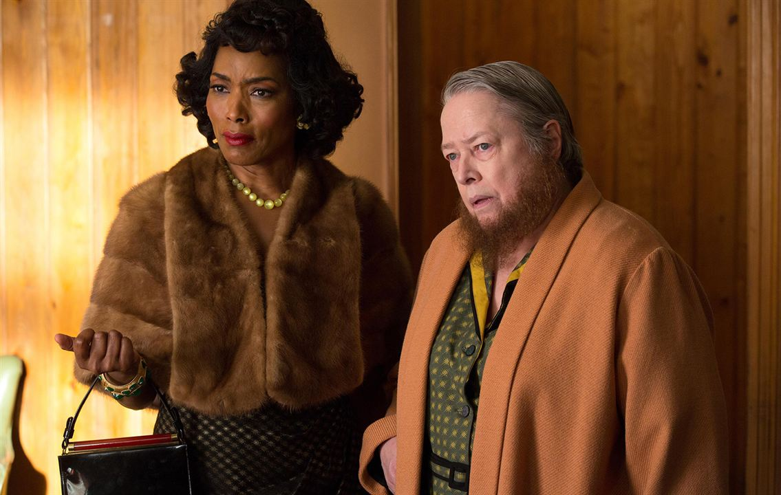 Photo Angela Bassett, Kathy Bates