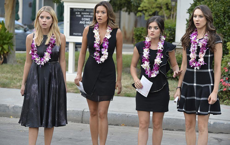 Photo Ashley Benson, Lucy Hale, Shay Mitchell, Troian Bellisario