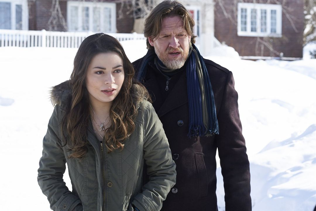 The Intruders : Photo Donal Logue, Miranda Cosgrove