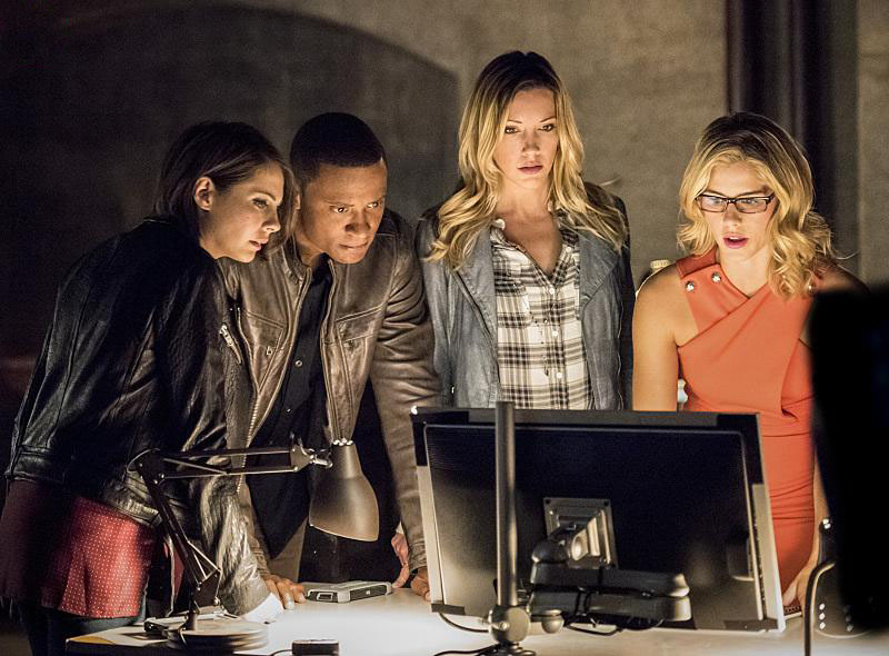 Photo David Ramsey, Emily Bett Rickards, Katie Cassidy, Willa Holland