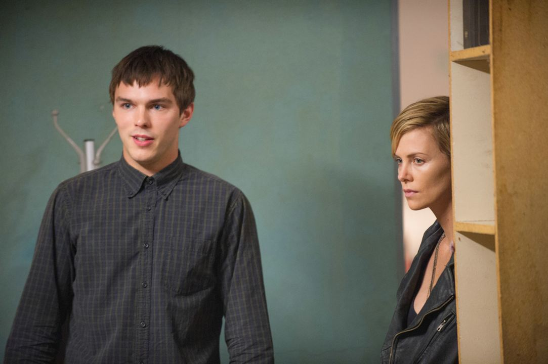 Dark Places : Photo Charlize Theron, Nicholas Hoult