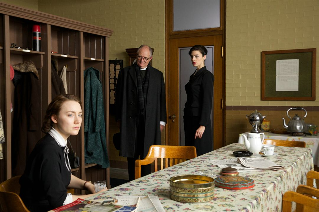 Brooklyn : Photo Jessica Paré, Jim Broadbent, Saoirse Ronan