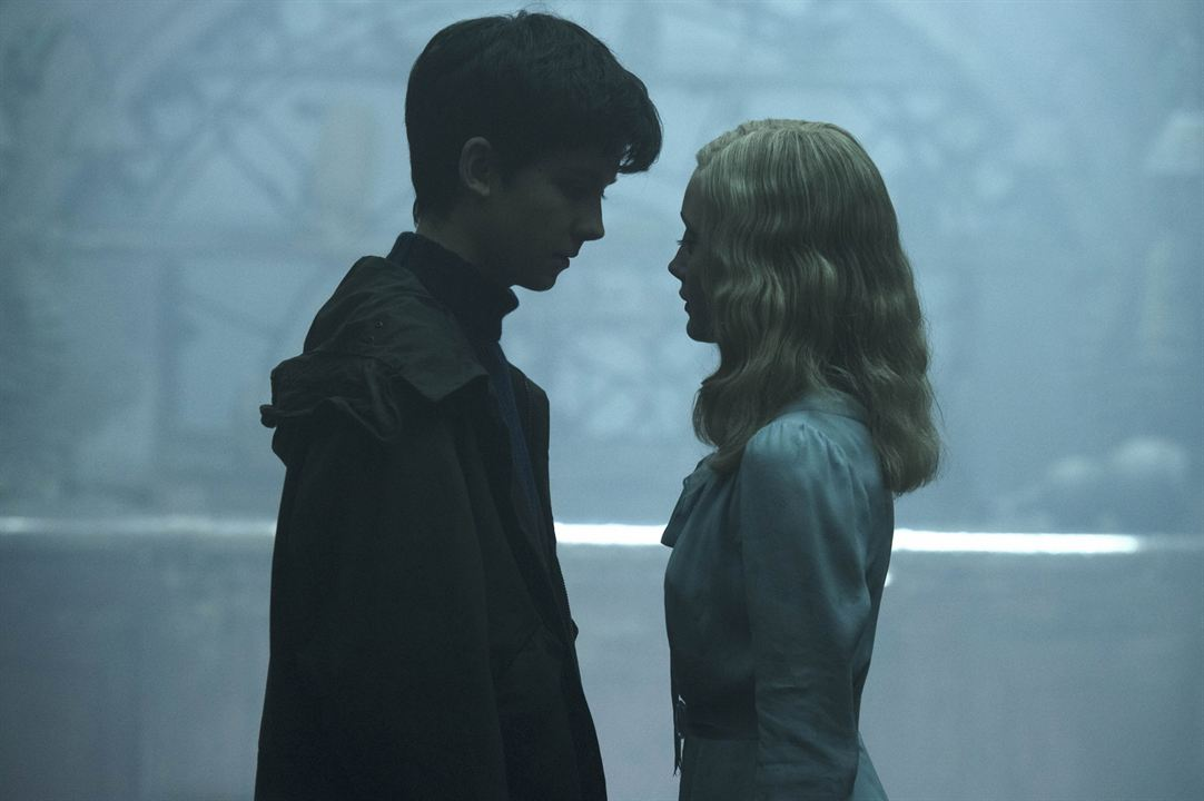 Miss Peregrine et les enfants particuliers : Photo Asa Butterfield, Ella Purnell