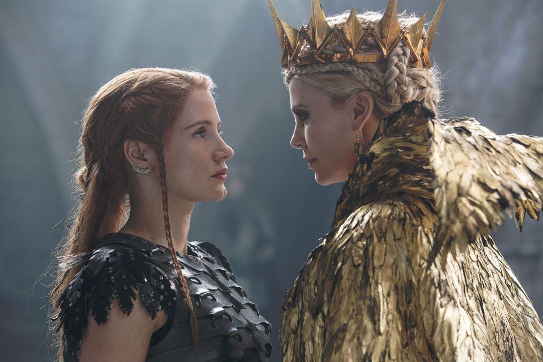 Le Chasseur et la reine des glaces : Photo Charlize Theron, Jessica Chastain