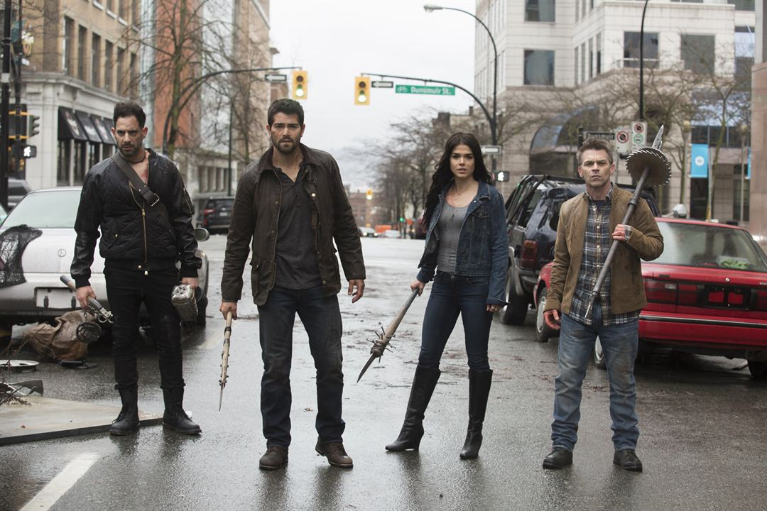 Dead Rising: Endgame : Photo Ian Tracey, Jesse Metcalfe, Marie Avgeropoulos, Patrick Sabongui