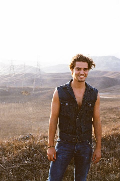 The Shangri-La Suite : Photo Luke Grimes