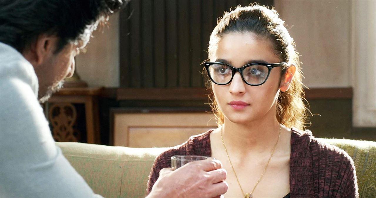 Dear Zindagi : Photo Alia Bhatt, Shah Rukh Khan